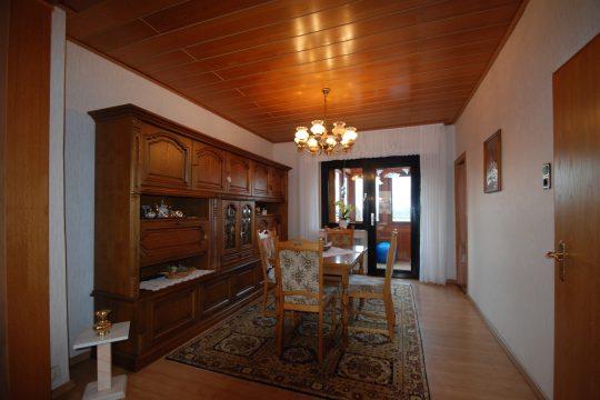 Essbereich mit angrenzender Küche